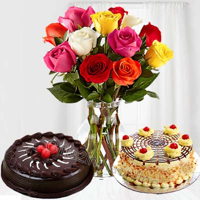 2 Cakes with Flower Vase